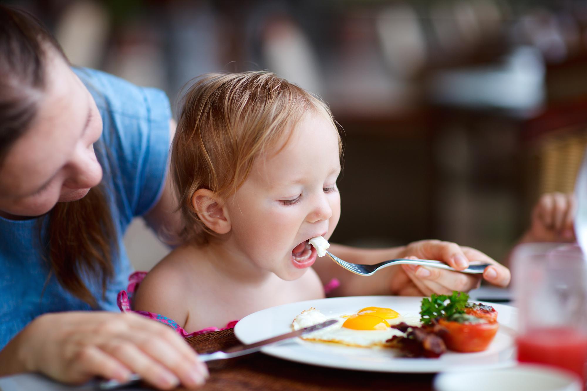 Co zrobić, aby dziecko zjadło coś nowego?