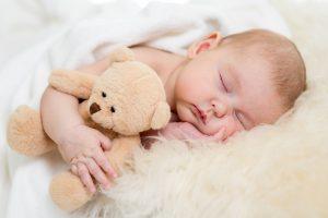 Dlaczego dziecko nie chce spać w nocy?